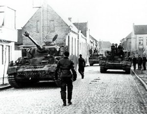 Panzer IV of the 'HJ' in the streets of Caen