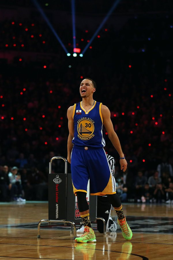 Curry makes biggest splash in 3-point shooting contest ...