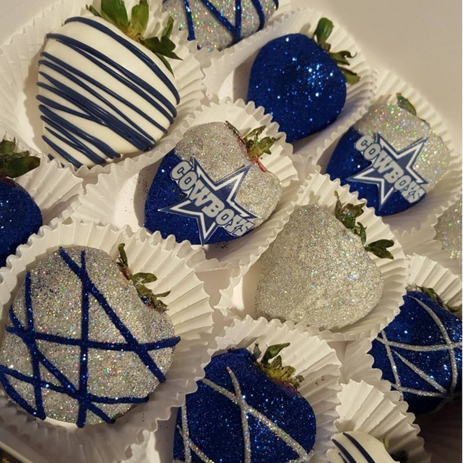 Dallas Bakery Sells Cowboys Themed Chocolate Covered