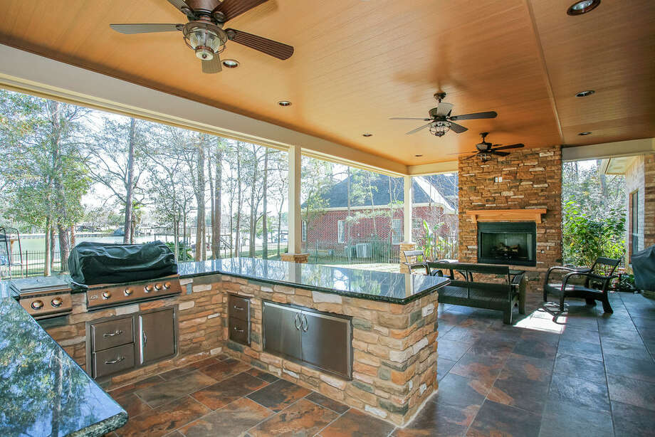 GHBA Remodelers Council: Construction of outdoor kitchens ... on Covered Outdoor Kitchen With Fireplace id=15766