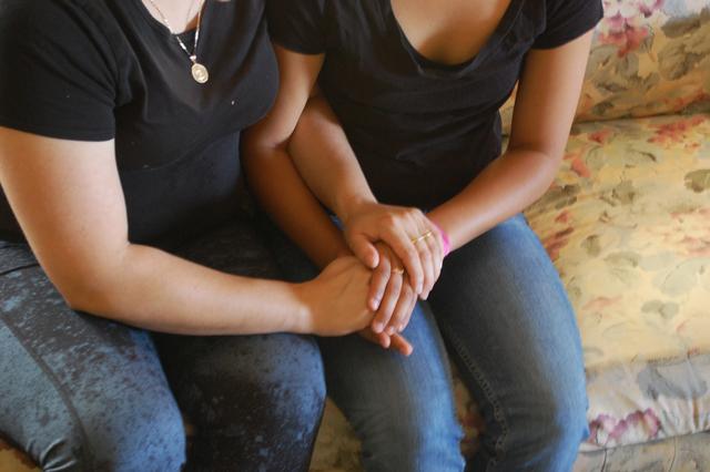 Jennifer and Yesenia. (Gabriel Salcedo/KQED)