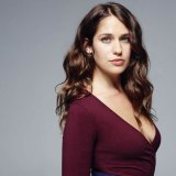 Lola Kirke Just Found Out How the World Punishes Confident Women