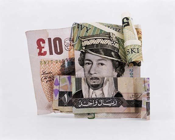 用纸币拼出的肖像画