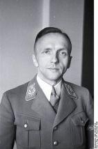397px-Bundesarchiv_Bild_119-06-44-12,_Gerhard_Klopfer