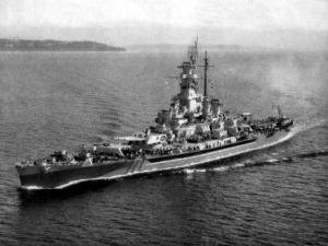 800px-USS_Massachusetts_(BB-59)_underway_c1944