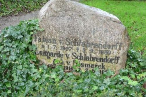 Grabstätte_Fabian_von_Schlabrendorff