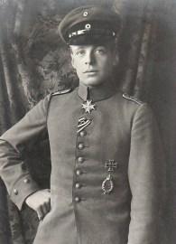 Oswald_Boelcke_(ca._1916)