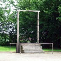 600px-AuschwitzGallows2006