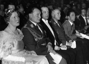 Bundesarchiv_Bild_183-1990-0309-506,_Eröffnung_des_Deutsch-Polnischen_Instituts