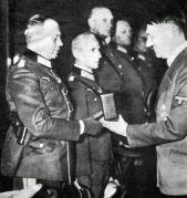 Guderian_receiving_Knights_cross_iron_cross_1939 (1)