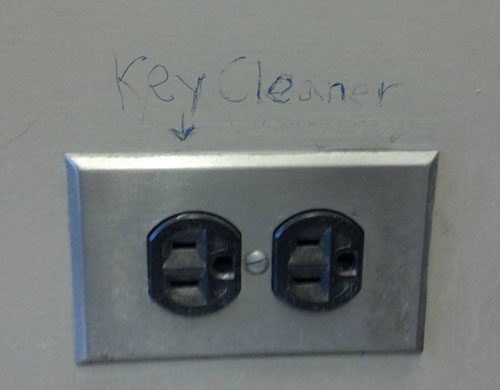 Electrical Socket Key Cleaner