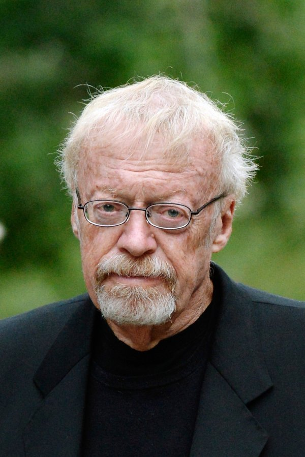 Nike co-founder Phil Knight to step down as chairman - SFGate