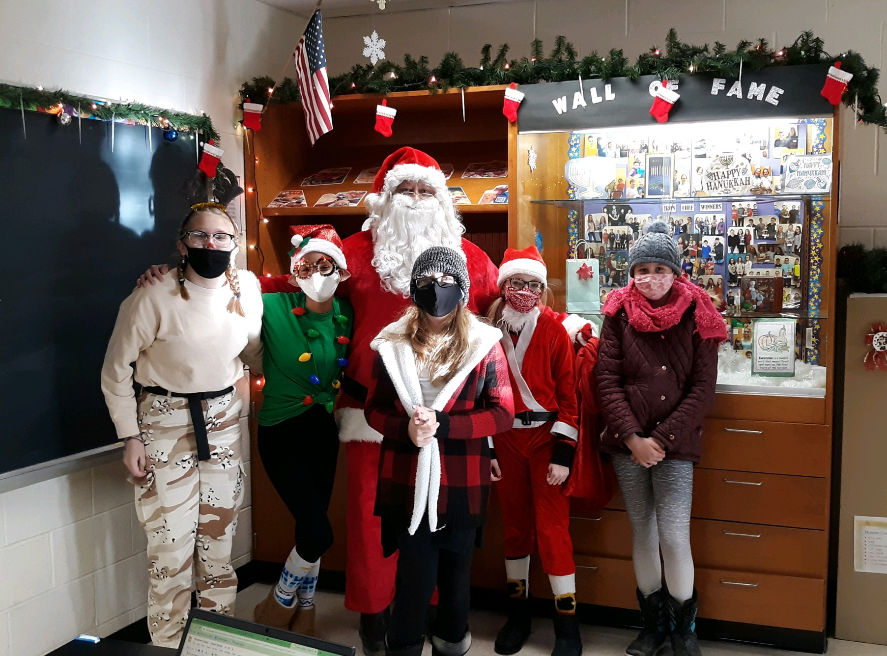 Western Wayne Middle School Students Treated to Visit from Santa