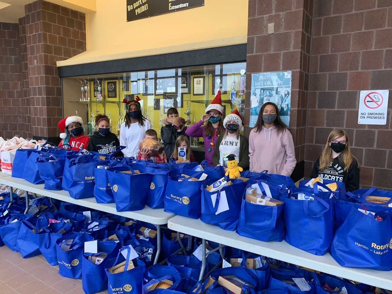 District Helps Local Families for the Holidays