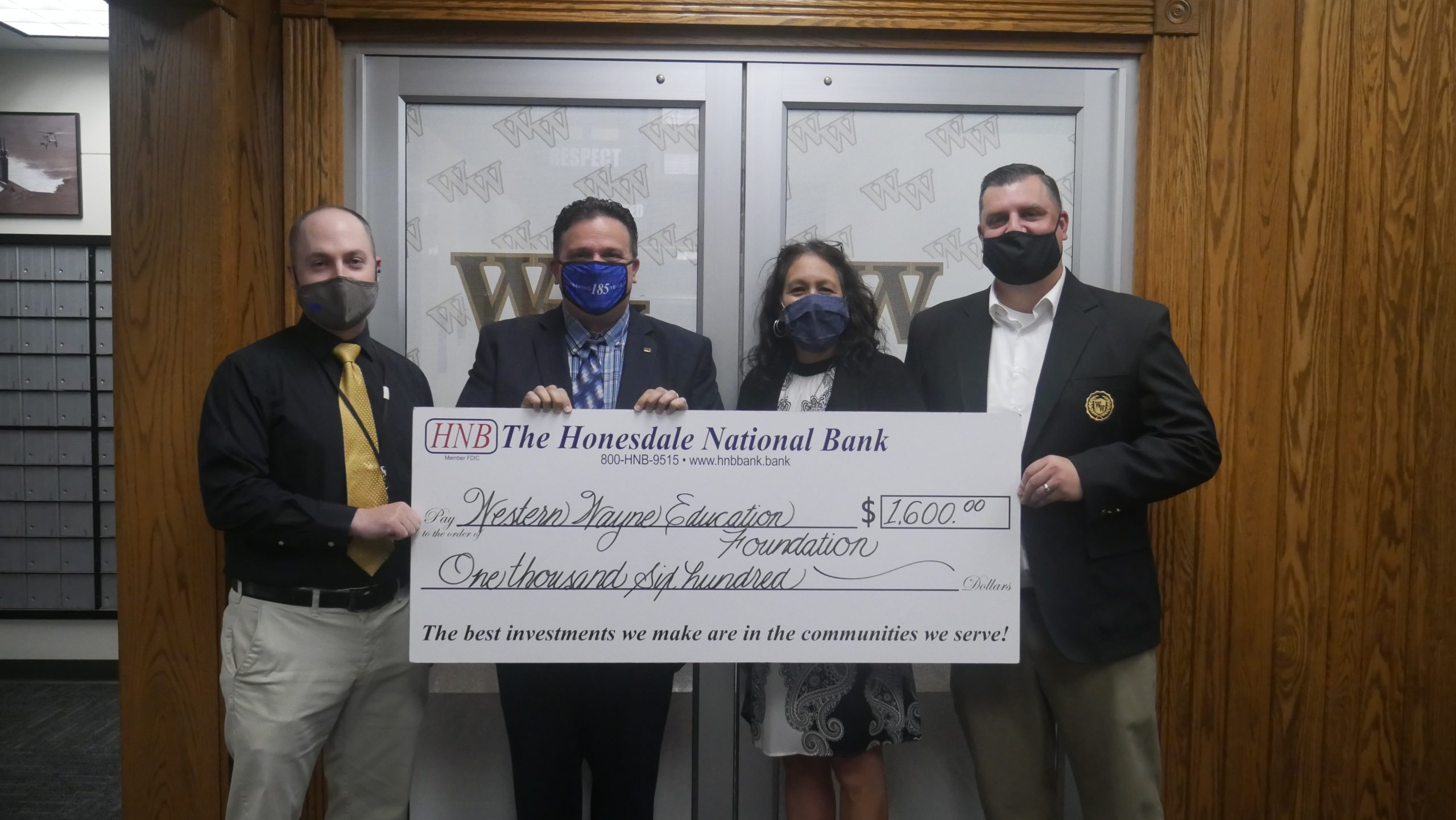Western Wayne Education Association Receives Donation from The Honesdale National Bank