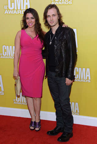 Actors Jonathan Jackson (R) and Lisa Vultaggio attend the 46th annual CMA Awards at the Bridgestone Arena on November 1, 2012 in Nashville, Tennessee. Photo: Jason Kempin, Getty Images / 2012 Getty Images