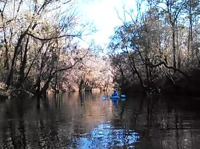 640x480 Movie: Blue kayak on blackwater river (2.9M), in Alapaha River at Statenville, January 2014 WWALS Outing, by Gretchen Quarterman, 18 January 2014