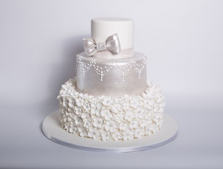 Carlo s Bakery   Wedding Cake   Hoboken  NJ   WeddingWire 800x800 1415997171606 w500  800x800 1415997184640 w501