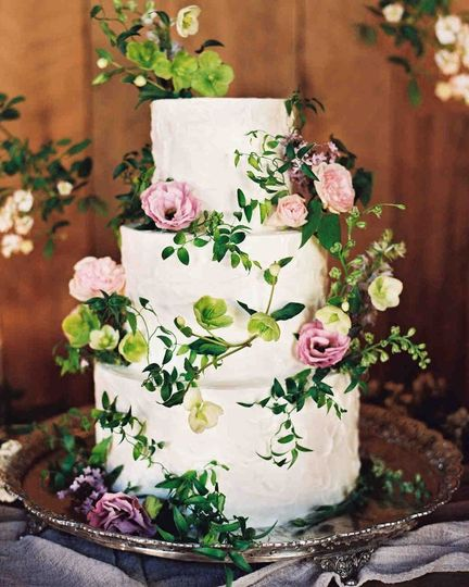 Magpies Bakery   Wedding Cake   Knoxville  TN   WeddingWire 800x800 1515513949 5c79f3003239c1f7 1515513947 92769aadebbe1180  1515513942929 2 img 7611