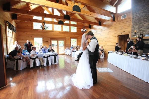 Eden Crest Vacation Rentals Pigeon Forge TN Wedding Venue