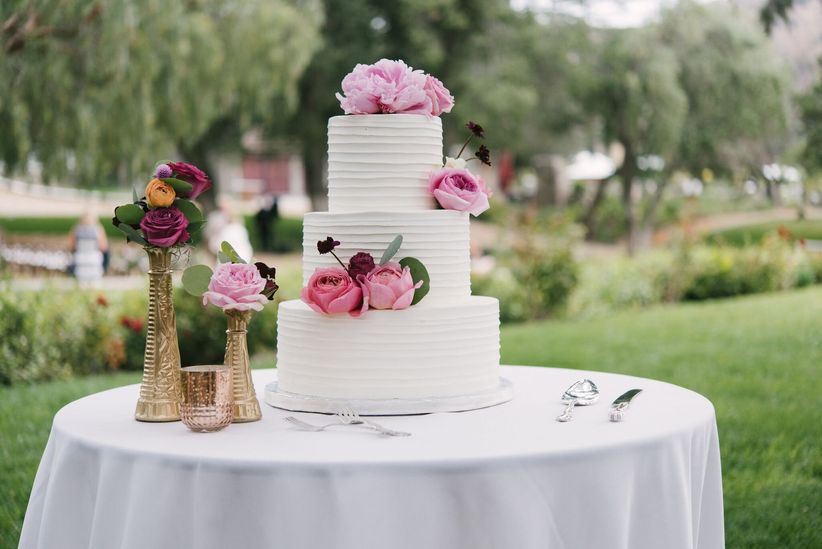 15 Wedding Cake Cutting Songs That Aren t Overplayed   WeddingWire Take a listen to these unique wedding cake cutting songs to find the right  one for your sweet moment