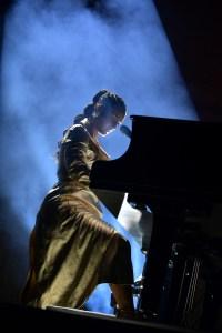 Alicia Keys at amfAR