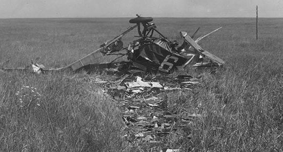 Обломки самолета D XIII, на котором погиб летчик Платц. 1930 г.