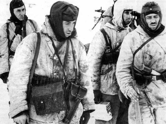 Немецкие солдаты в Сталинградском «котле», декабрь 1942 г.