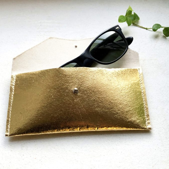 spectacle case Piñatex® Katia Gold Open