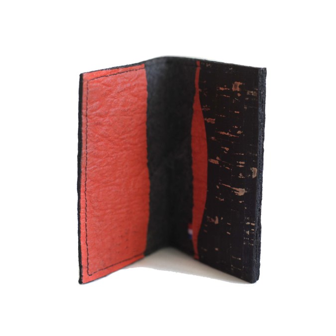 Vegan Jesselyn Piñatex® Card Holder Black and Paprika with Cork
