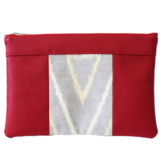 The bag that also makes a pouch, 100% vegan in Red and Rice Grey, made in France for the empowerment of women.