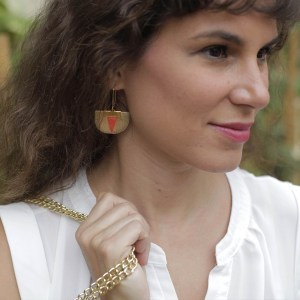 Daisy Piñatex® Earrings Gold and Paprika worn by Pauline