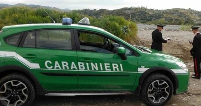 Case vacanze abusive a Cutro, demolito il primo manufatto