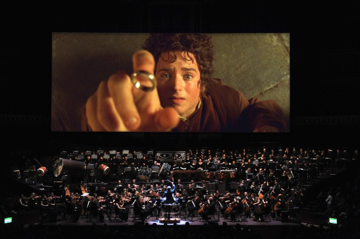 HighResLOTR Frodo and ring