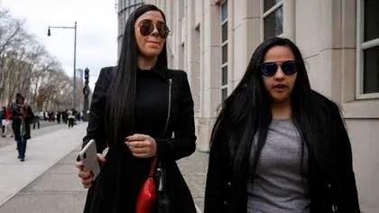 Emma Coronel y Mariel Colon, representante legal de ella y el Chapo ante la justicia estadounidense  (Foto: Reuters)