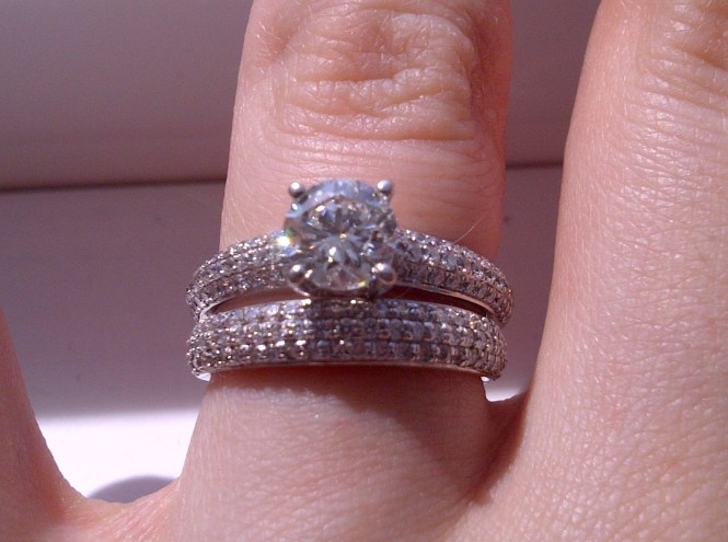 engagement ring wedding band which way to wear it show me - How To Wear Your Wedding Ring