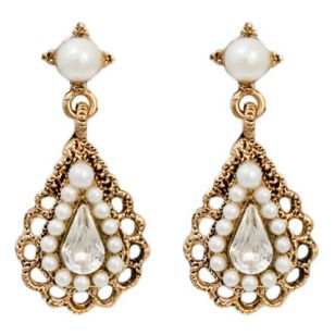 Helpful 0 Reply Tagged Chandelier Earrings Gold Pearl
