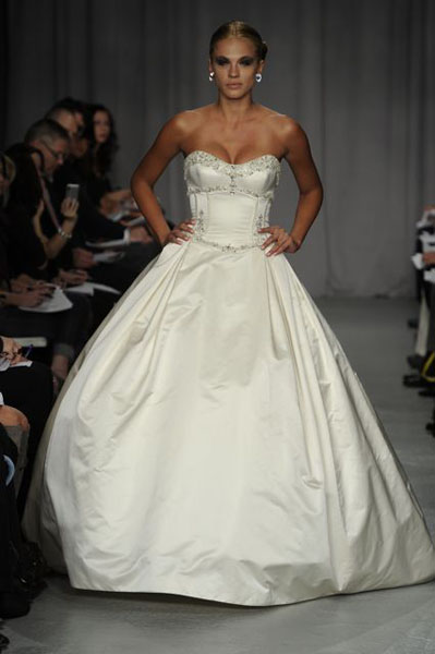 Bridal Market 2010 - Priscilla of Boston :  wedding bridal market  2010 Val9549 _VAL9549