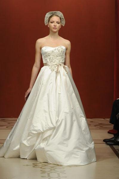 Bridal Market 2010 - Reem Acra :  wedding bridal market 2010  Val0726 _VAL0726