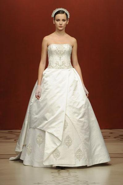 Bridal Market 2010 - Reem Acra :  wedding bridal market 2010  Val0796 _VAL0796