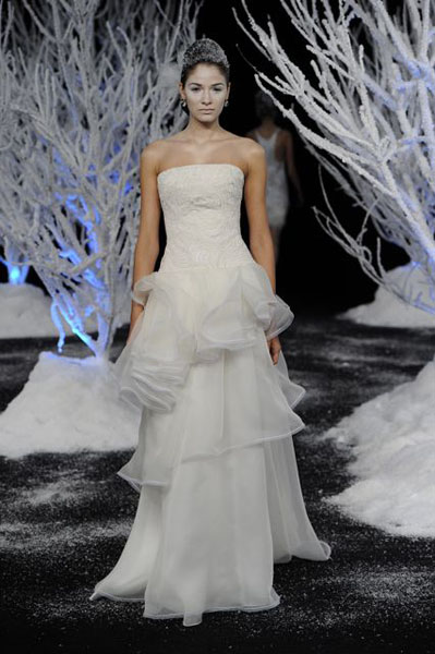 Bridal Market 2010 - Douglas Hannant :  wedding bridal market 2010  Val3871 _VAL3871