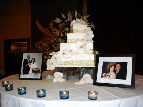 With This Wing: Cake Cutting :  wedding pictures pro pics recap san diego Nguyet0 Nguyet0