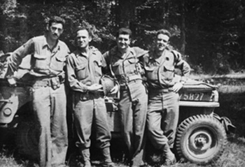 Salinger with friends in the Army