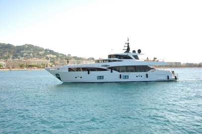 Cannes Yachting Festival 2017_ Majesty 100 by Gulf Craft _prezzo_price_0-1001