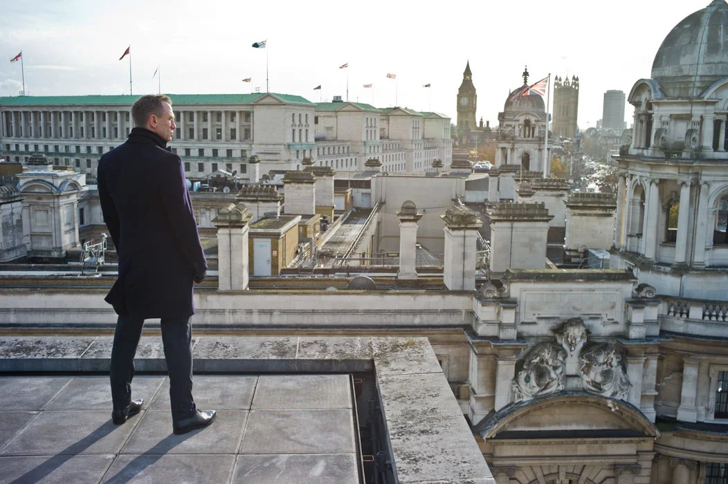 Bond overlooking London