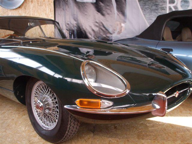En Jaguar E-Type från 1962, samma år som en  första James Bond filmen DrNo kom.