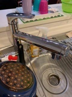 大阪府豊中市で台所蛇口の水漏れ修理を行いました。