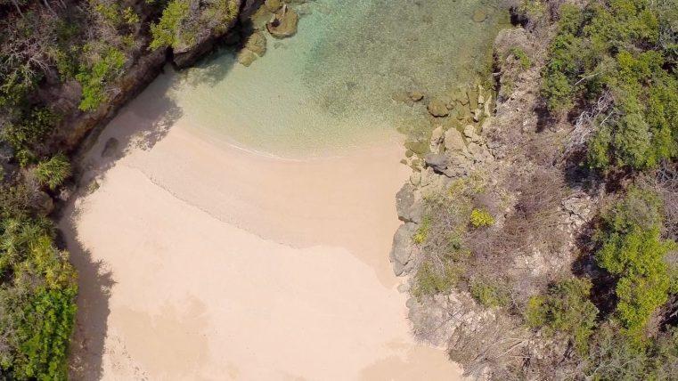 SUMBA-BEACH-KARANG-INDAH-05-1