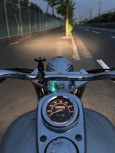オートバイに乗って