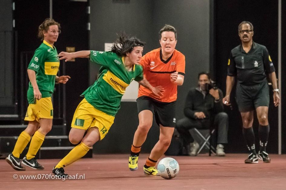 De nummer 14 van ZVV Den Haag in actie: Marcela Cabrera Cabrera